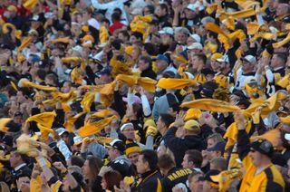 Pittsburgh_Steeler_fans_15_Oct_2006